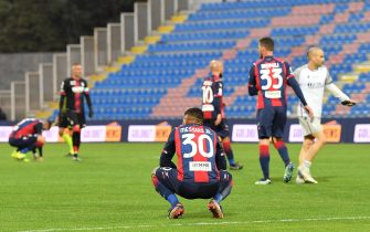 The disappointment of Crotone's players at the end of Serie A soccer match between FC Crotone and Bologna FC at Ezio Scida stadium in Crotone, Italy, 20 March 2021. ANSA / CARMELO IMBESI