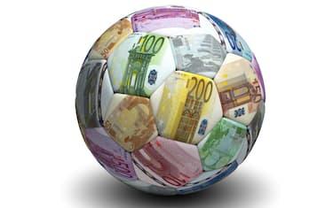 pallone_calcio_soldi_banconote