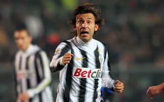 Il centrocampista della Juventus Andrea Pirlo  nella partita del campionato di serie A allo stadio Atleti Azzurri d'Italia di Bergamo, oggi 21 gennaio 2012.ANSA/PAOLO MAGNI