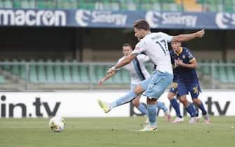 LazioÕs Ciro Immobile scores the goal 1-1 in action during the Italian Serie A soccer match Hellas Verona FC vs SS Lazio at Bentegodi stadium in Verona, Italy, 26 July 2020.ÊANSA/EMANUELE PENNACCHIO