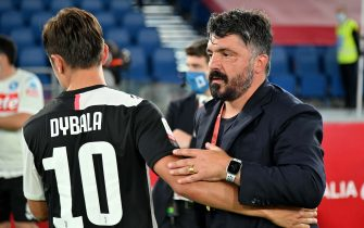 ROME, ITALY - JUNE 17:  head coach of SSC Napoli Gennaro Gattuso hugs Juventus' player Paulo Dybala after the Coppa Italia Final match between Juventus and SSC Napoli winner at Olimpico Stadium on June 17, 2020 in Rome, Italy.  (Photo by Marco Rosi/Getty Images)