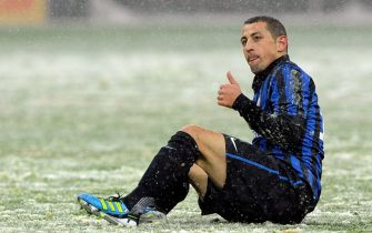 MILAN, ITALY - FEBRUARY 01:  Angelo Palombo of FC Inter Milan gestures during the Serie A match between FC Internazionale Milano and US Citta di Palermo at Stadio Giuseppe Meazza on February 1, 2012 in Milan, Italy.  (Photo by Claudio Villa/Getty Images)