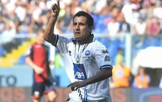 Il giocatore dell`Atalanta Maximilliano Moralez esulata dopo il secondo gol, questo pomeriggio 11 settembre 2011 allo stadio Luigi Ferraris di Genova, durante la sfida ocntro il Genoa. -ANSA/LUCA ZENNARO-