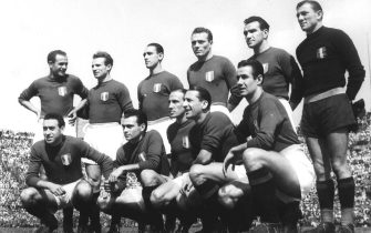 MAGGIO 1948 LA FORMAZIONE DEL TORINO: BACIGALUPO, LOIK, MAZZOLA, CASTIGLIANO, GABETTO. MENTI, BALLARIN, MARTELLI E RIGAMONTI, SQUADRA, CALCIO, ITALIA, ANNI 40, B/N, 03-00025569