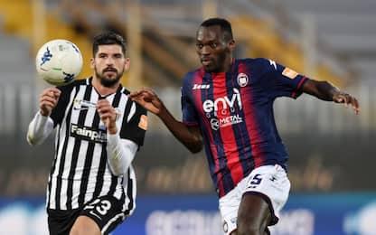 Il Crotone batte 3-1 l'Ascoli e sale al 2° posto