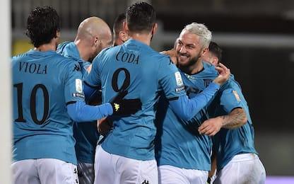Vola il Benevento: 2-0 al Livorno e fuga in vetta