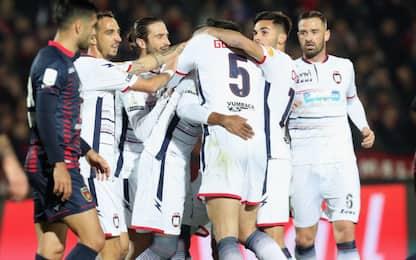 Crotone, 1-0 a Cosenza: polemiche per gol fantasma