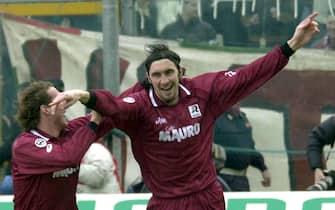 foto Francesco Cufari Reggio Calabria 2\03\2003Reggina Udinese:esultazione  di bonazzoli dopo ilprimo gol