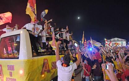 Tutti sul pullman, che festa a Benevento. FOTO