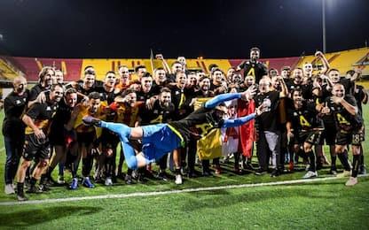 Promozione da record, il Benevento torna in A
