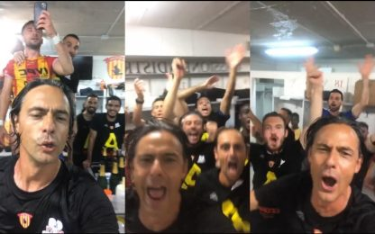 Pippo Inzaghi capo-coro in spogliatoio. VIDEO