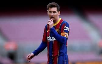 epa09204844 Barcelona's Leo Messi reacts during the Spanish LaLiga soccer match between FC Barcelona and Celta Vigo held at Camp Nou stadium in Barcelona, Spain, 16 May 2021.  EPA/Alejandro Garcia