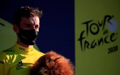 Van Aert vince allo sprint, Yates in maglia gialla