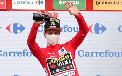 Roglic vince la 10^ tappa: è la nuova maglia rossa