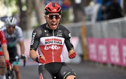 Giro: Ewan vince la 5^ tappa, De Marchi in rosa