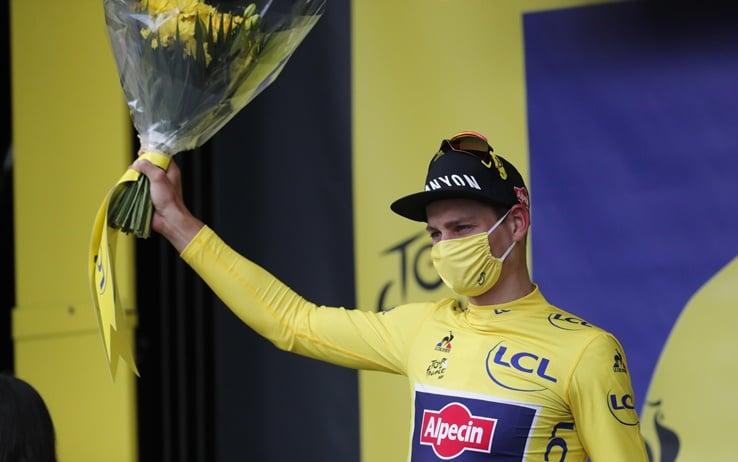 La maglia gialla Mathieu Van Der Poel