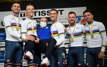 Italia medaglia d'oro nell'inseguimento a squadre