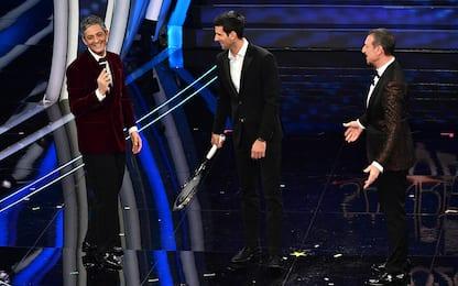 Sanremo, Djokovic show: canta con Fiorello! FOTO