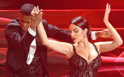 Incantevole Georgina: tango sexy a Sanremo. FOTO