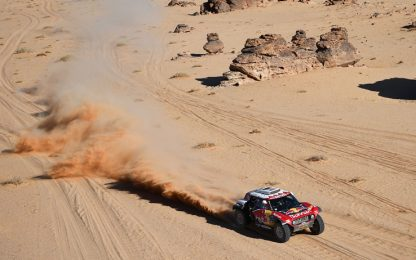 Dakar, 6^ tappa a Sainz. Alonso in crescita