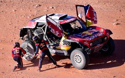 Dakar, Sainz allunga. Paura per Alonso: illeso