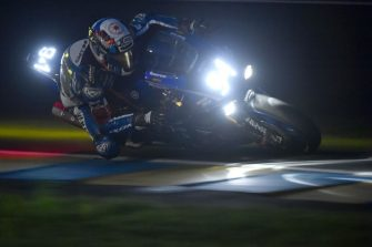 Spanish David Checa on his Yamaha GMT Formula EWC N°94 competes during the 41st Le Mans 24-hours endurance race, on April 21, 2018, in Le Mans, northwestern France. (Photo by JEAN-FRANCOIS MONIER / AFP)        (Photo credit should read JEAN-FRANCOIS MONIER/AFP via Getty Images)