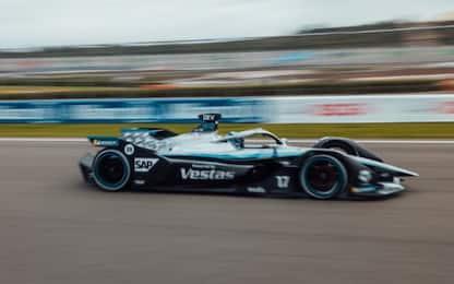 Finale thrilling a Valencia, vince De Vries