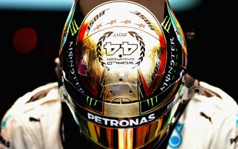 ABU DHABI, UNITED ARAB EMIRATES - NOVEMBER 24:  Lewis Hamilton of Great Britain and Mercedes GP prepares to drive in the garage during practice for the Abu Dhabi Formula One Grand Prix at Yas Marina Circuit on November 24, 2017 in Abu Dhabi, United Arab Emirates.  (Photo by Mark Thompson/Getty Images)