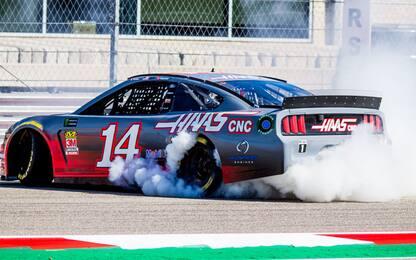 Haas, Grosjean e Magnussen su una Mustang. VIDEO