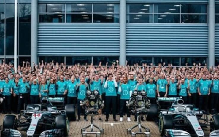 Mercedes, la festa per il titolo