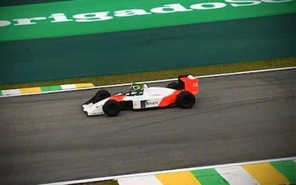 Emozione Senna: Bruno sulla MP4/4 di Ayrton