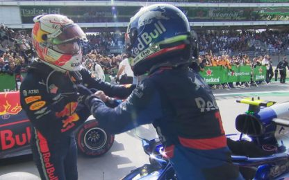 Vince Verstappen, Gasly 2°. Ferrari fuori