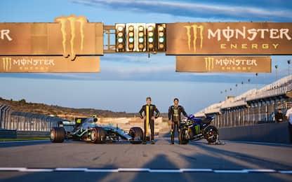 Rossi-Hamilton, scambio a Valencia. FOTO e VIDEO