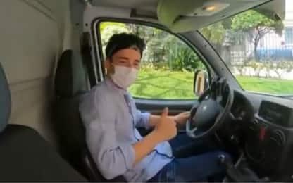 Leclerc aiuta i volontari della Croce Rossa. VIDEO