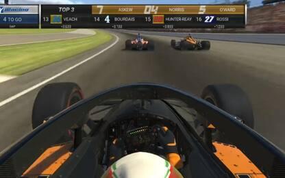 IndyCar, vince McLaughlin. Norris out nel finale