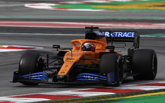 BARCELONA, SPAIN - FEBRUARY 28: Carlos Sainz of Spain driving the (55) McLaren F1 Team MCL35 Renault on track during Day Three of F1 Winter Testing at Circuit de Barcelona-Catalunya on February 28, 2020 in Barcelona, Spain. (Photo by Rudy Carezzevoli/Getty Images)