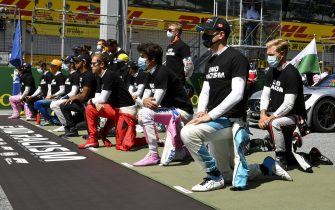 JULY 05: Drivers taking a knee during the Austrian GP on Sunday July 05, 2020. (Photo by Mark Sutton / Sutton Images)