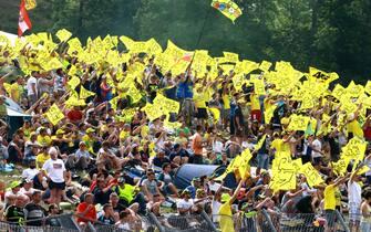 2017 MotoGP Championship - Round 6Mugello, ItalySunday 4 June 2017Fans of Valentino Rossi, Yamaha Factory RacingWorld Copyright: Gold & Goose Photography/LAT Imagesref: Digital Image 674630