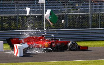 AUTODROMO NAZIONALE MONZA, ITALY - SEPTEMBER 06: Sebastian Vettel, Ferrari SF1000, collides with barriers during the Italian GP at Autodromo Nazionale Monza on Sunday September 06, 2020 in Monza, Italy. (Photo by Andy Hone / LAT Images)