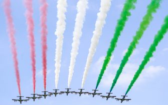 AUTODROMO NAZIONALE MONZA, ITALY - SEPTEMBER 06: The Italian Air Force Aerobatic Display Team, Frecce Tricolori, display over the grid in their Aermacchi MB339A jet trainers during the Italian GP at Autodromo Nazionale Monza on Sunday September 06, 2020 in Monza, Italy. (Photo by Steven Tee / LAT Images)