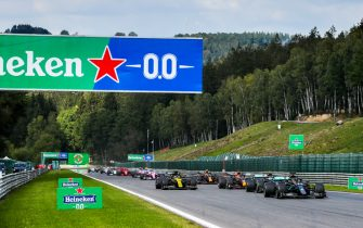 SPA-FRANCORCHAMPS, BELGIUM - AUGUST 30: Lewis Hamilton, Mercedes F1 W11 EQ Performance leads Valtteri Bottas, Mercedes F1 W11 EQ Performance and Max Verstappen, Red Bull Racing RB16 during the Belgian GP at Spa-Francorchamps on Sunday August 30, 2020 in Spa, Belgium. (Photo by Charles Coates / LAT Images)