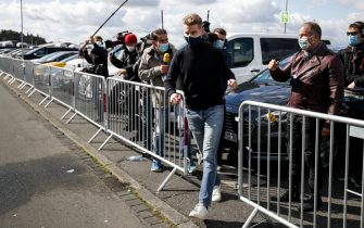 NüRBURGRING, GERMANY - OCTOBER 10: Nico Hulkenberg, Racing Point, arrives at the circuit as a possible replacement for Lance Stroll, Racing Point during the Eifel GP at Nürburgring on Saturday October 10, 2020, Germany. (Photo by Zak Mauger / LAT Images)