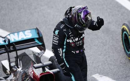 Hamilton domina: decisiva la gestione delle gomme