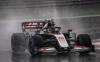 ISTANBUL PARK, TURKEY - NOVEMBER 14: Kevin Magnussen, Haas VF-20 during the Turkish GP at Istanbul Park on Saturday November 14, 2020, Turkey. (Photo by Mark Sutton / Sutton Images)