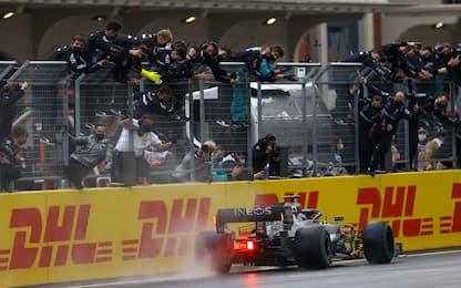 Hamilton, una vittoria alla Schumacher