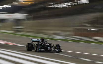 Hamilton vince anche in Bahrain, Leclerc 10°