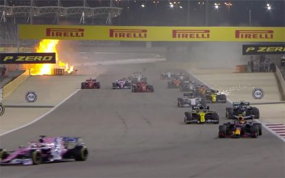 Bahrain LIVE, incidente a Grosjean. Gara sospesa