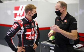 BAHRAIN INTERNATIONAL CIRCUIT, BAHRAIN - DECEMBER 02: Mick Schumacher in the garage for his seat fitting with his race engineer Gary Gannon during the Sakhir GP at Bahrain International Circuit on Wednesday December 02, 2020 in Sakhir, Bahrain. (Photo by Andy Hone / LAT Images)