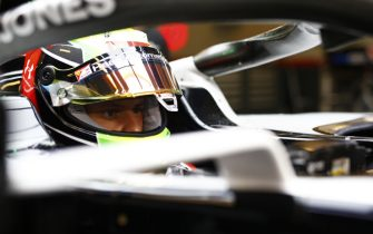 YAS MARINA CIRCUIT, UNITED ARAB EMIRATES - DECEMBER 10: Mick Schumacher, Haas F1, in cockpit during the Abu Dhabi GP at Yas Marina Circuit on Thursday December 10, 2020 in Abu Dhabi, United Arab Emirates. (Photo by Andy Hone / LAT Images)