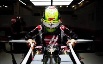 F1, Mick Schumacher sulla Haas nelle libere del GP di Abu ...